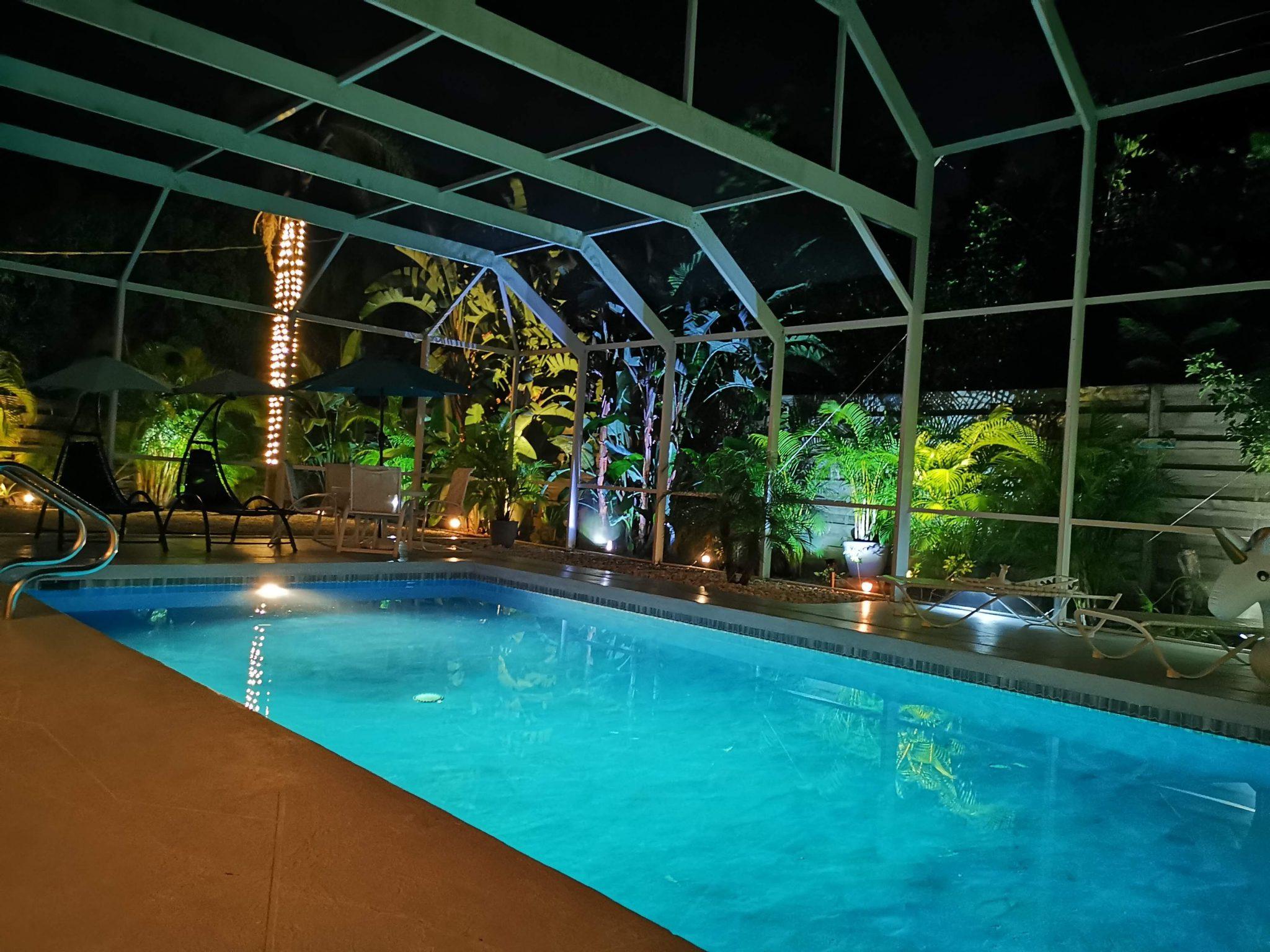 Villa colleen pool night